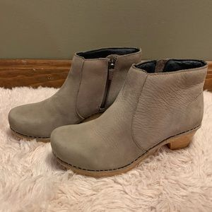 Dansko leather ankle boots size 6/36 GUC